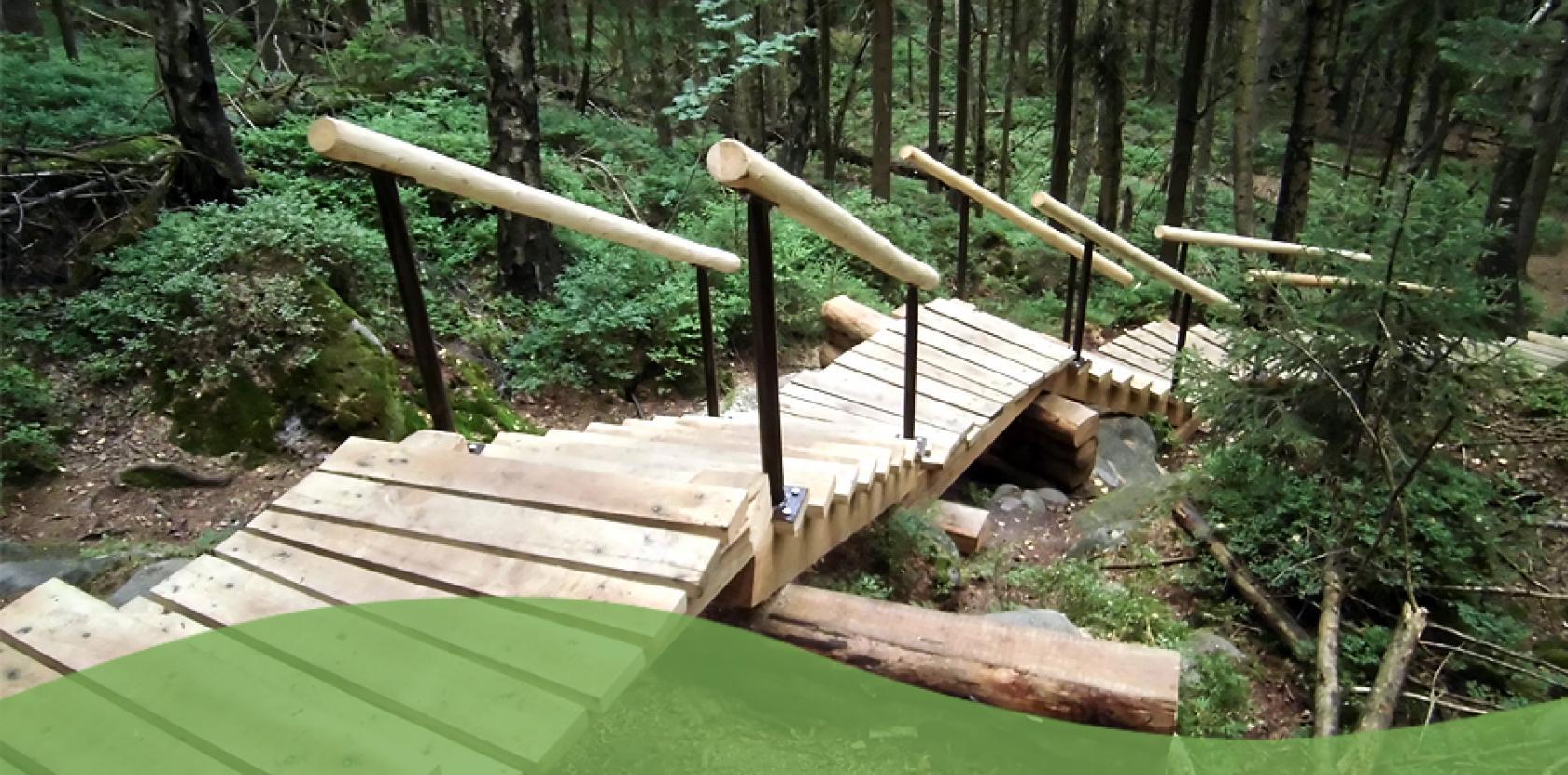 Krajinářské práce - dřevěná lávka