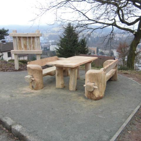 Dubové lavice + informační panel - Krasohled